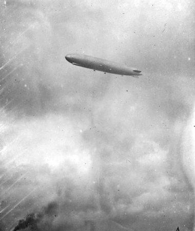 CGH-19281003-Zeppelin-LZ127-Chemnitz1