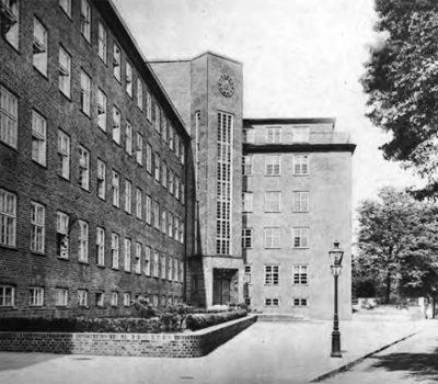 Der 1929 fertiggestellte Anbau