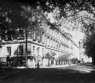 Hohe Straße mit neuem Anbau 1932