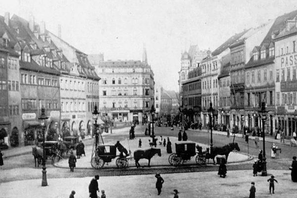 Droschken am Markt 1893