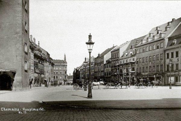 Marktansicht mit Haltestelle für die Pferdedroschken um 1887
