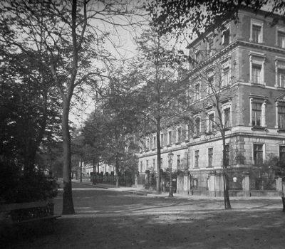 Gerichtsstraße um 1932 von der Hohe Straße aus