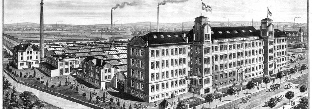 Fabrikansicht um 1910 - links der alte Mühlgraben, rechts die Metzerstraße