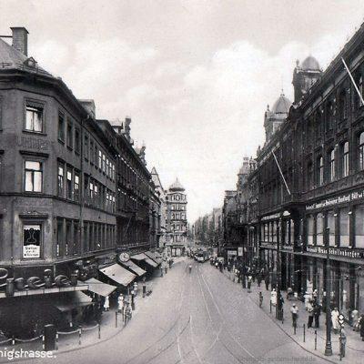 Königsstraße rechts das Modehaus