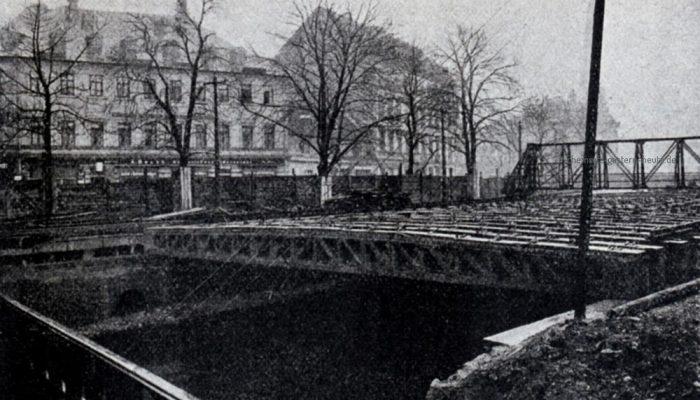 Die aufgelegten Balken - Blick Richtung Poststraße